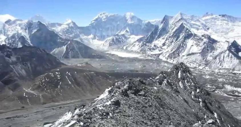Chhukung RI Peak Climbing