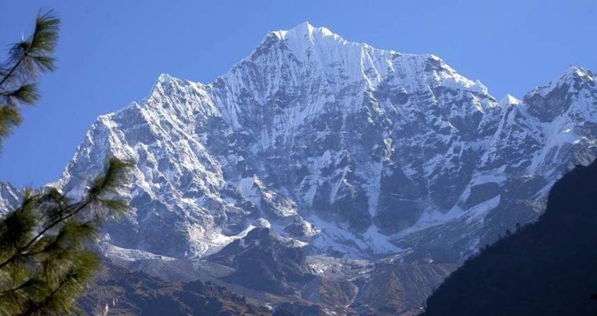 Kusum Kangru Climbing