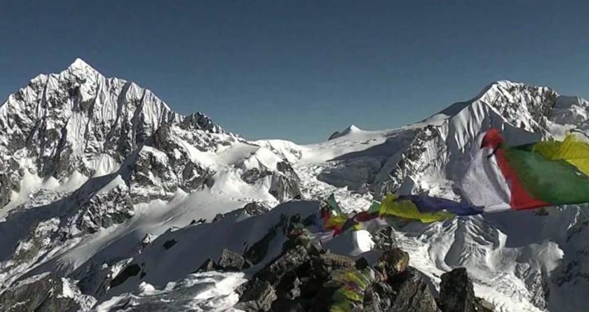 Yalung Ri Peak Climbing