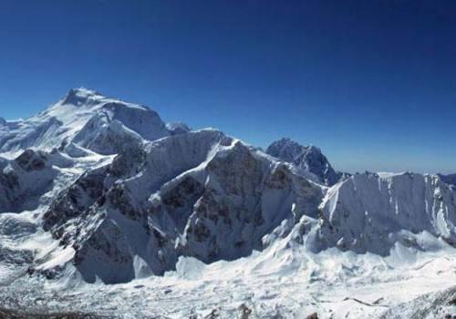 Manaslu Trek with Larkey Peak Climbing